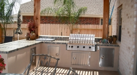 Outdoor Kitchen with Pegola