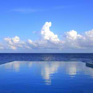 What is an Infinity Pool? | Houston Pool Design | Elite Pools