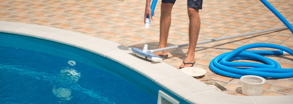 Swimming Pool Service Technician In Texarkana Texas : Pool service clear lake swimming maintenance