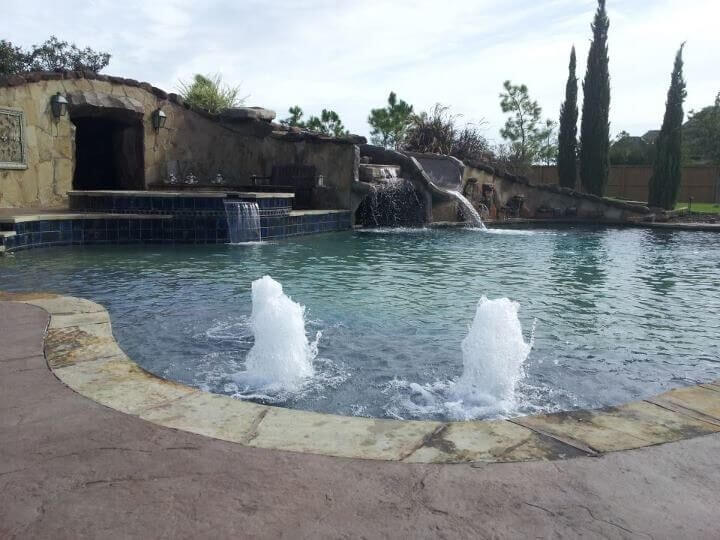 Customize Your Pool with a Water Feature