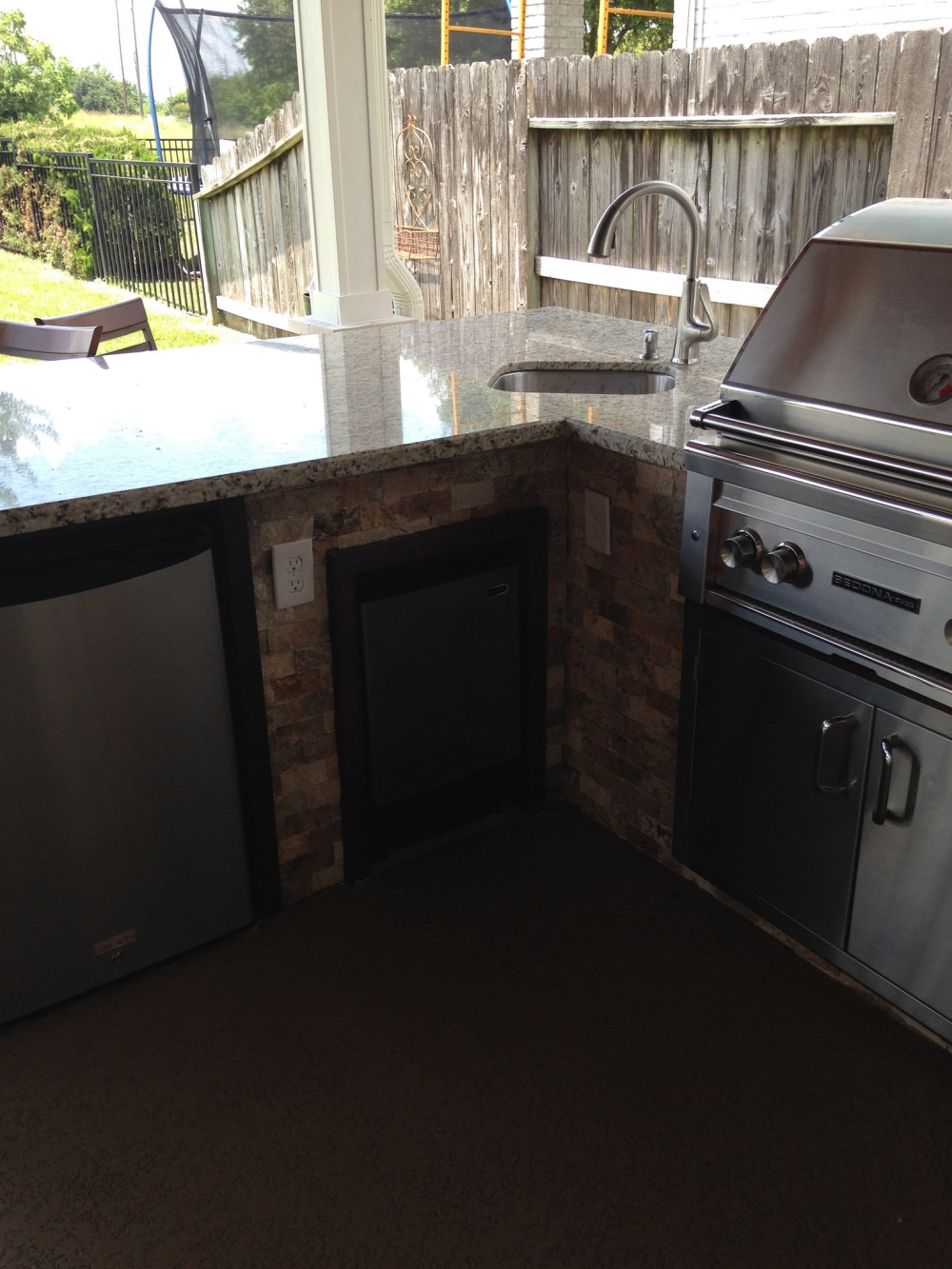 Outdoor Living Gallery League City | Houston Swimming Pool ... on Elite Pools And Outdoor Living id=78978