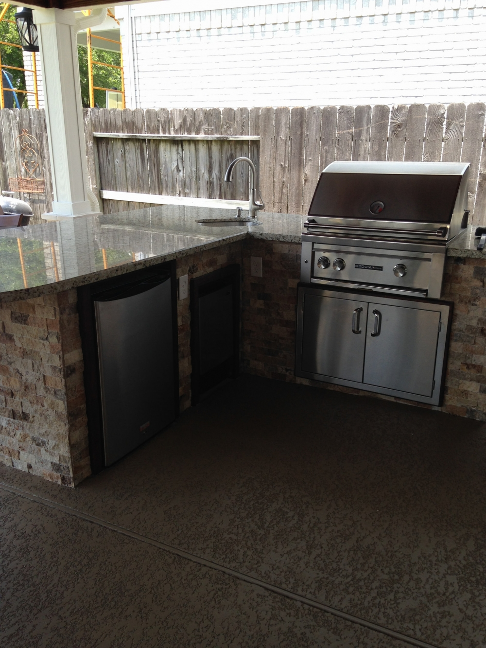 Outdoor Living Gallery League City | Houston Swimming Pool ... on Elite Pools And Outdoor Living id=97977