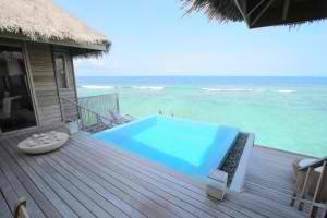 plunge pools vs hot tubs