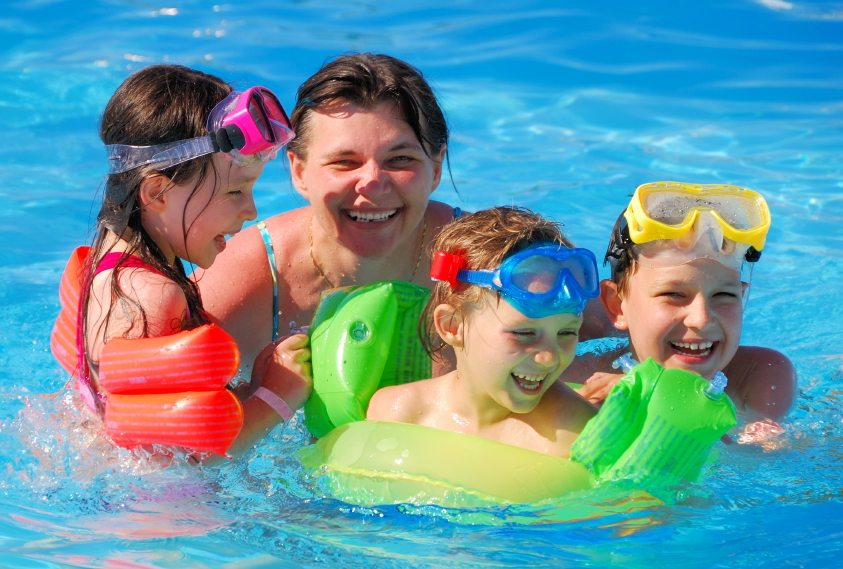 6 Springtime Safety Tips for Houston Pool Fun