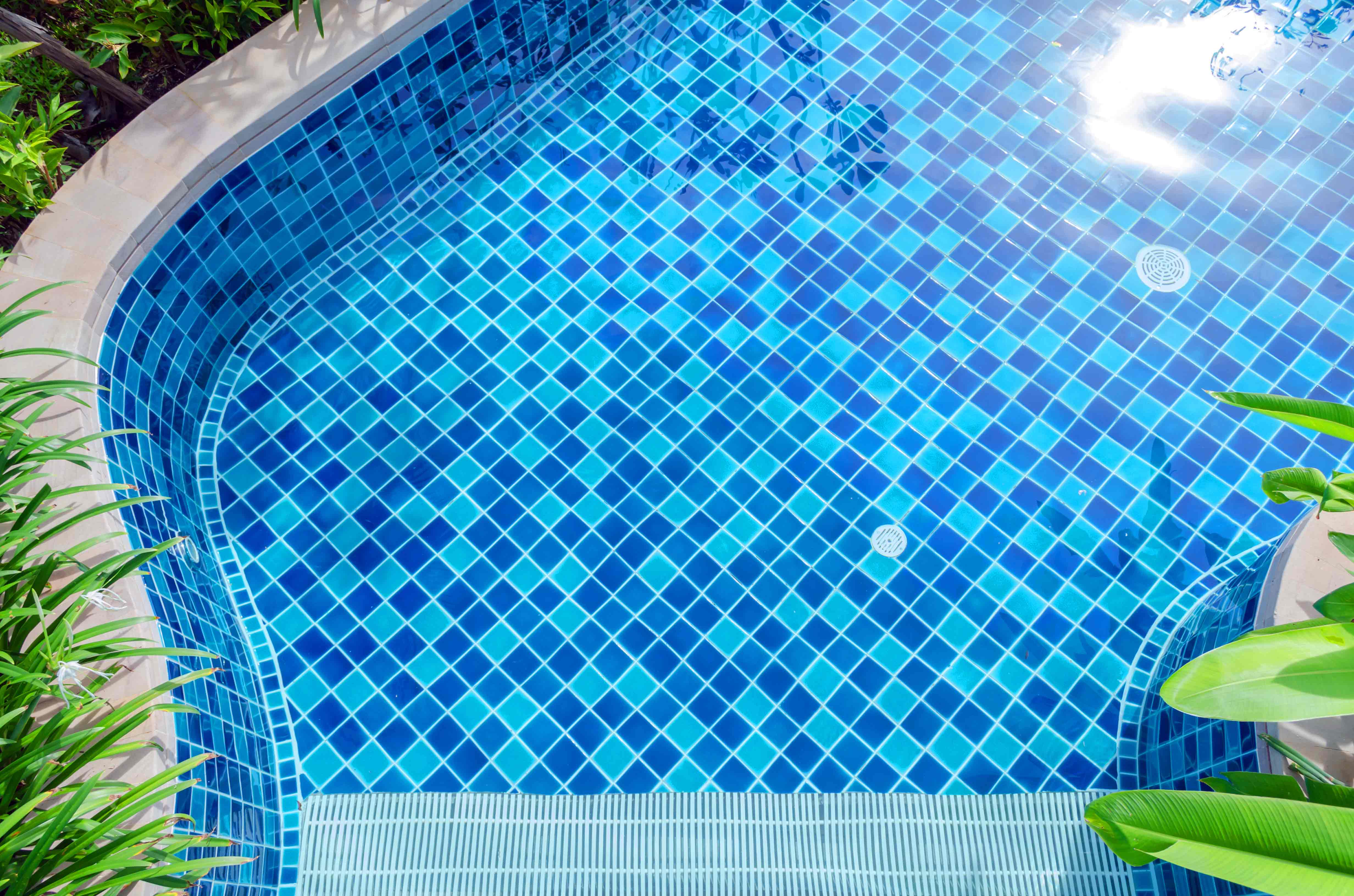 What Affects My Swimming Pool Water Chemistry?